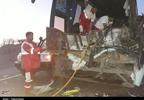 زنجان؛ تصادف اتوبوس با پراید ۴ کشته برجای گذاشت